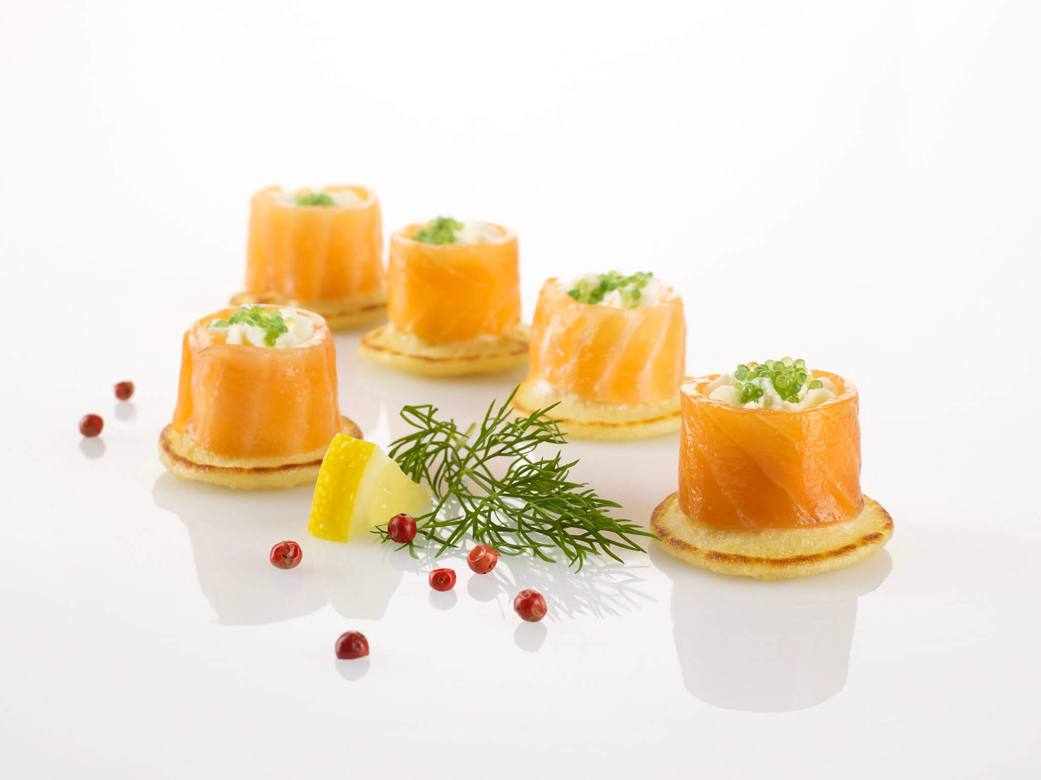 Les réalisations Lehmann Studio, photographe à Angers - shooting culinaire en studio bouchées au saumon